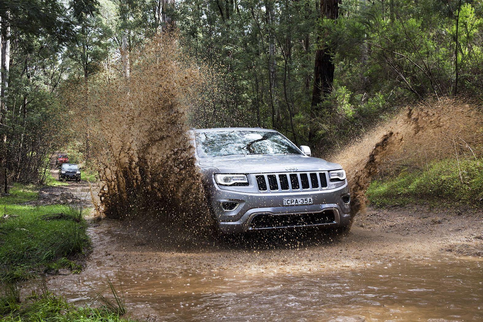 jeep grand cherokee overland review photos caradvice. Black Bedroom Furniture Sets. Home Design Ideas