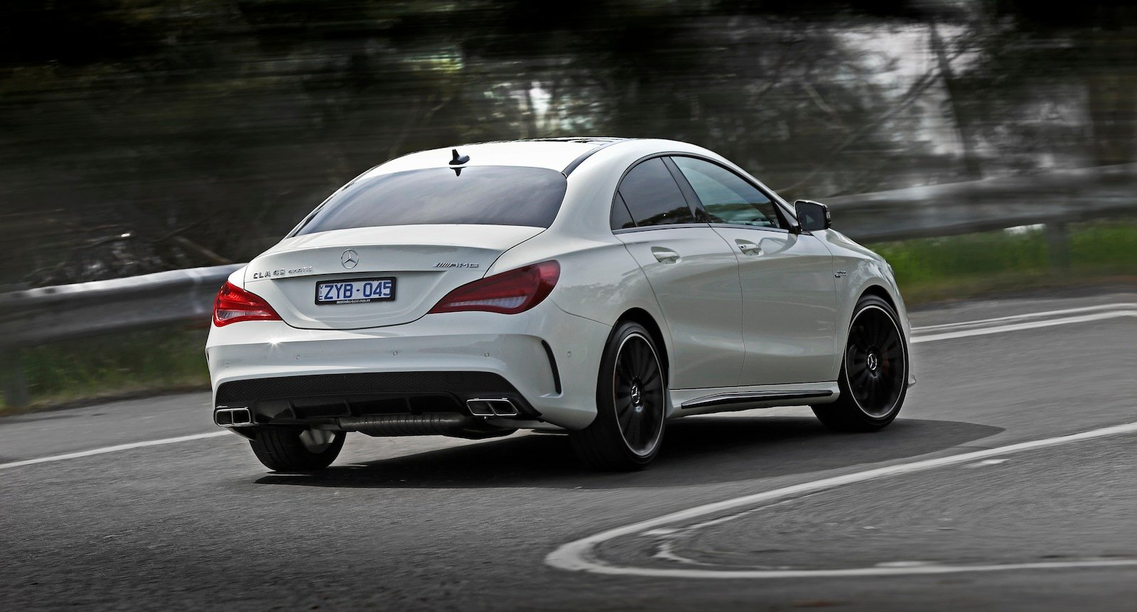 mercedes benz cla45 amg review photos caradvice. Black Bedroom Furniture Sets. Home Design Ideas