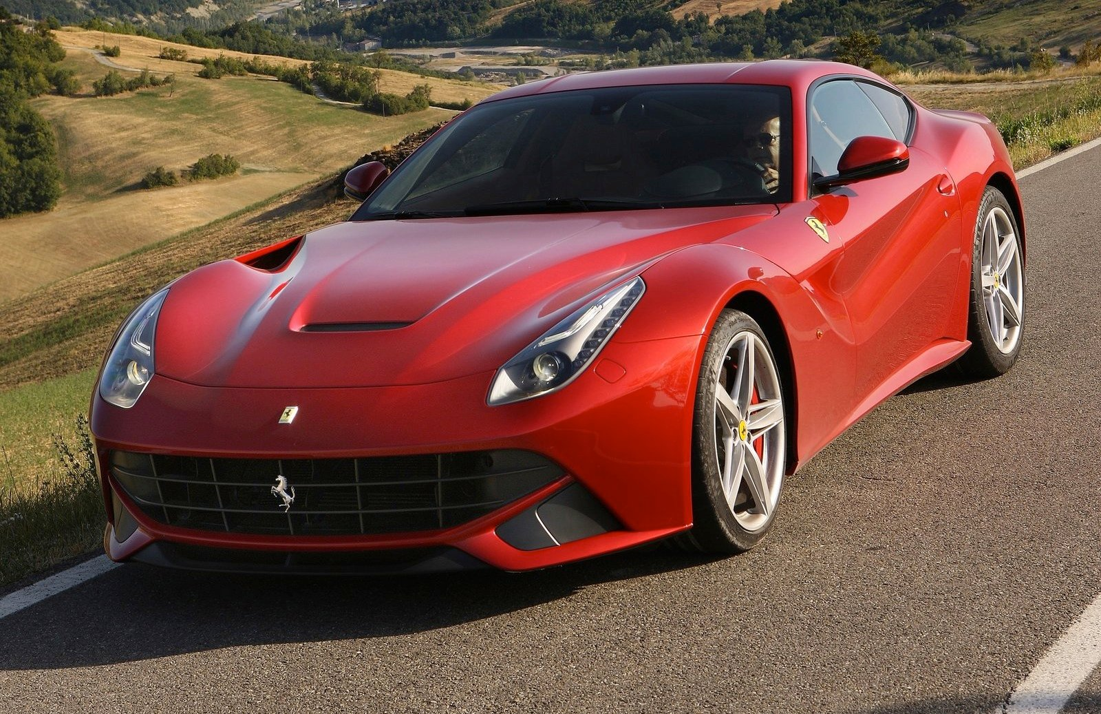 Ferrari, McLaren Supercars Added To Hertz European Rental Car Range - Photos