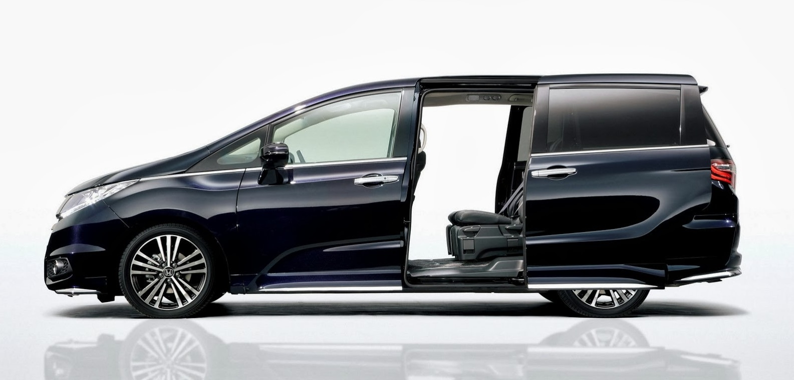 honda odyssey fifth gen people mover revealed photos caradvice. Black Bedroom Furniture Sets. Home Design Ideas