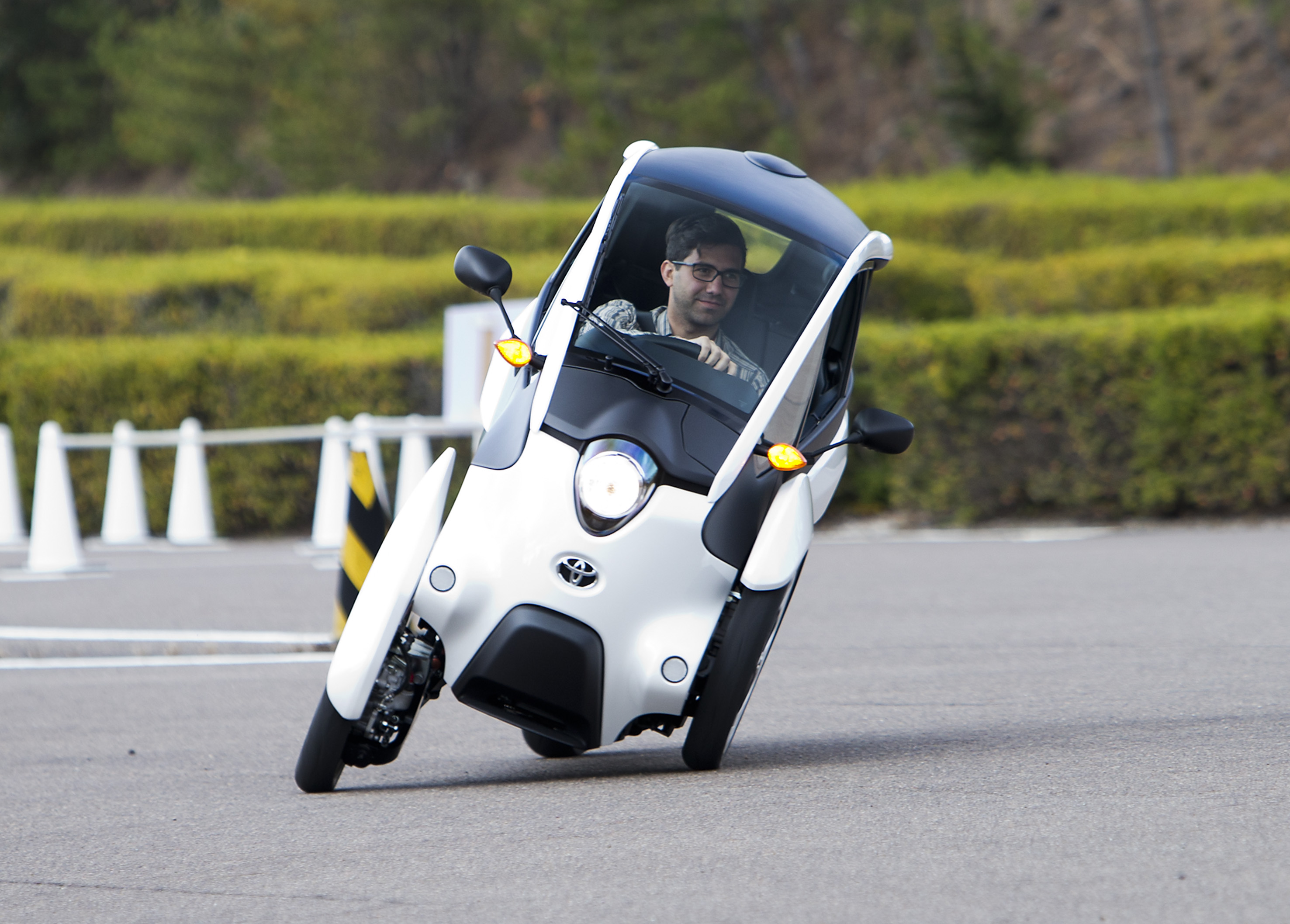 Toyota i-Road Concept Review - photos | CarAdvice