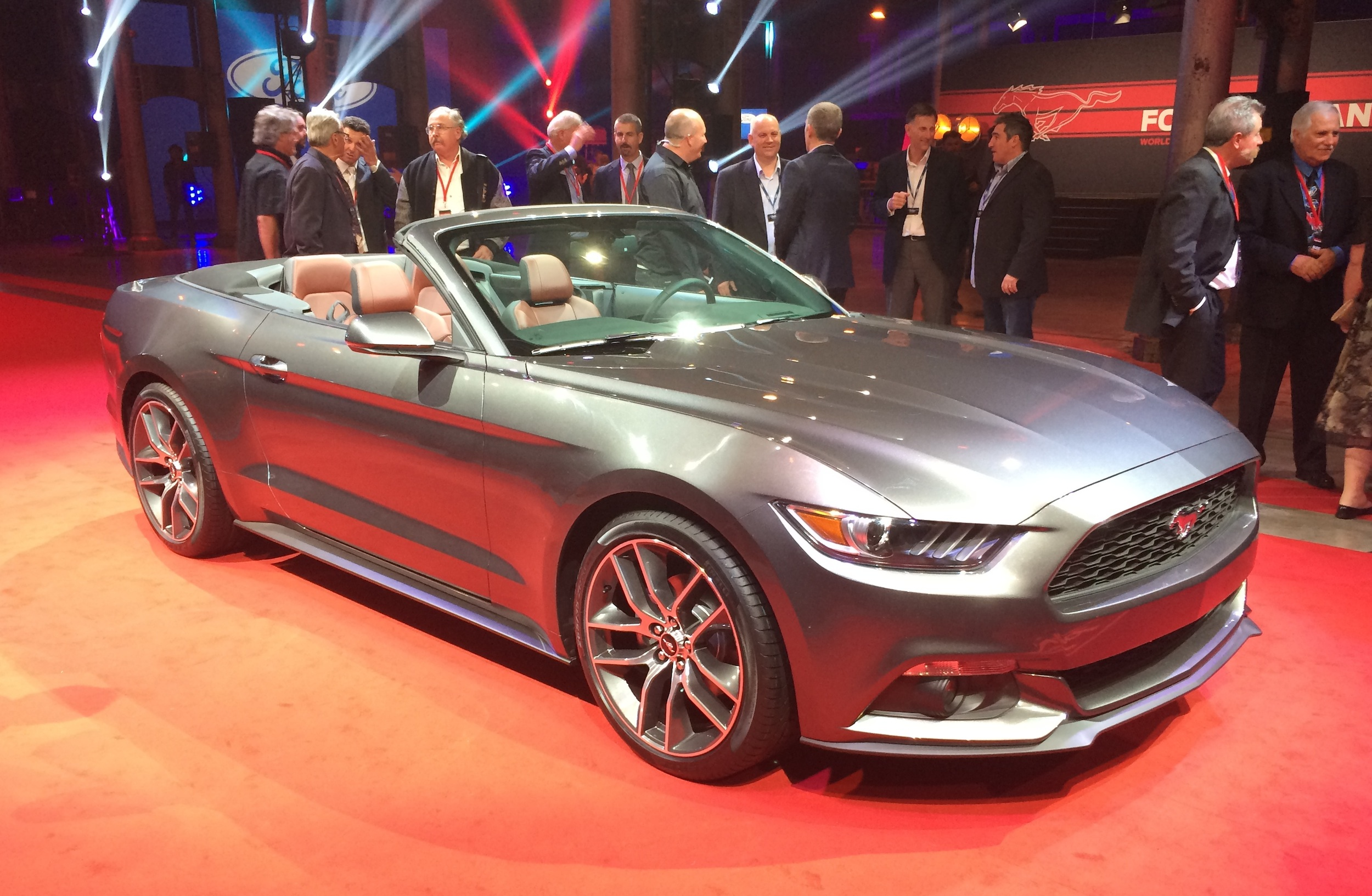 Ford Mustang Convertible unveiled in Australia - photos | CarAdvice