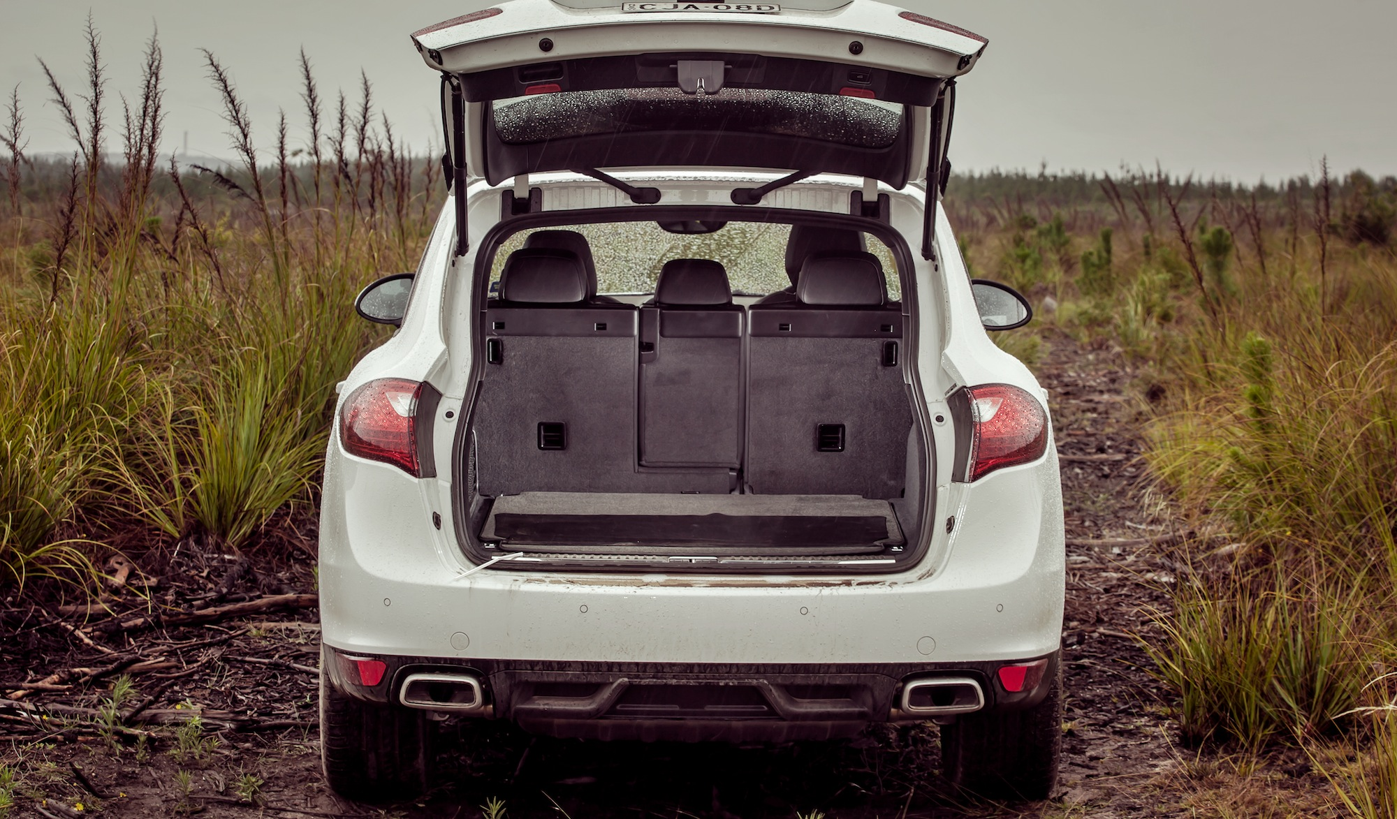 luxury suv comparison : bmw x5 v mercedes-benz ml-class v range
