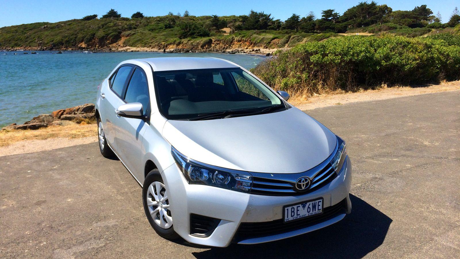 Sedan Automobile: 2014 Toyota Corolla Sedan Review