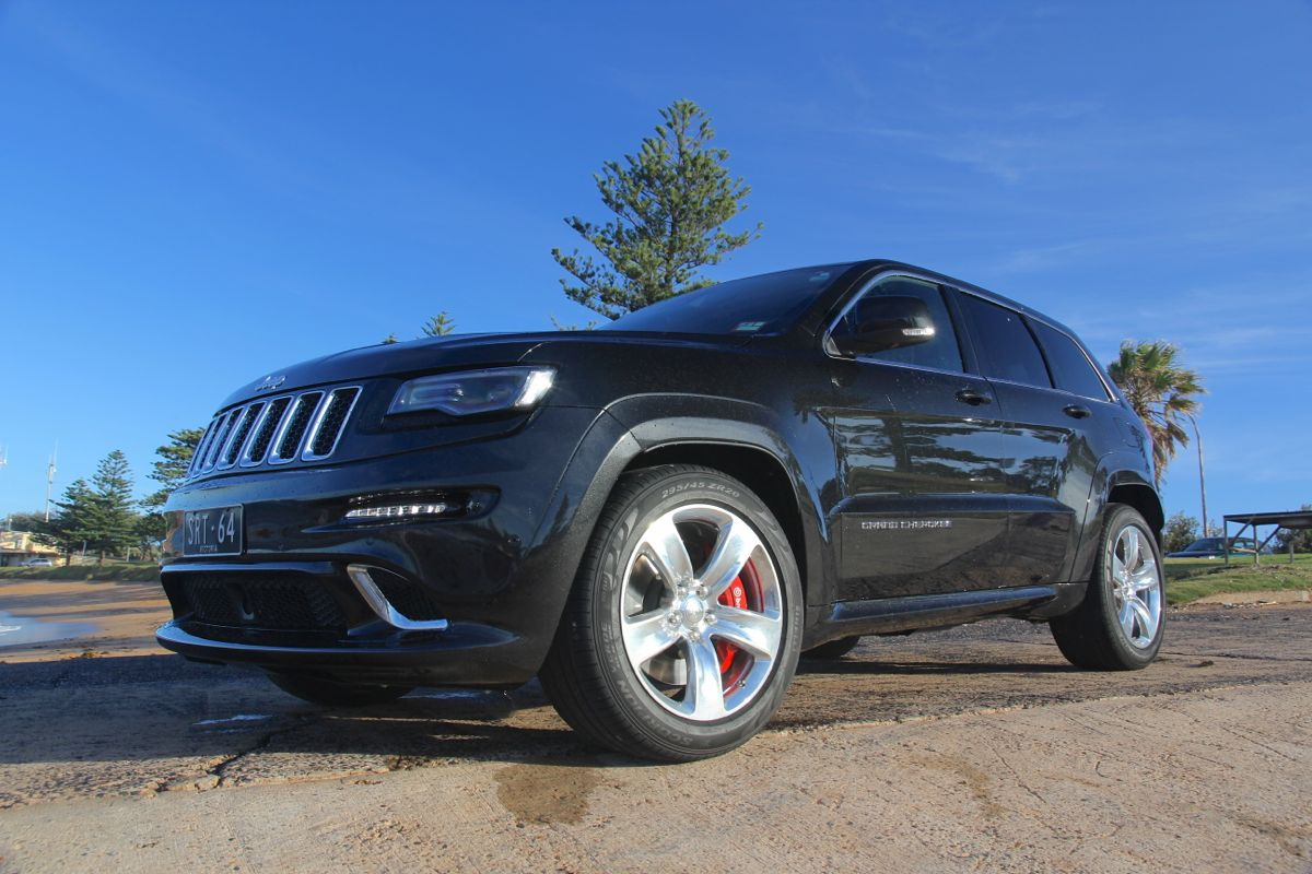 jeep grand cherokee srt review caradvice. Black Bedroom Furniture Sets. Home Design Ideas