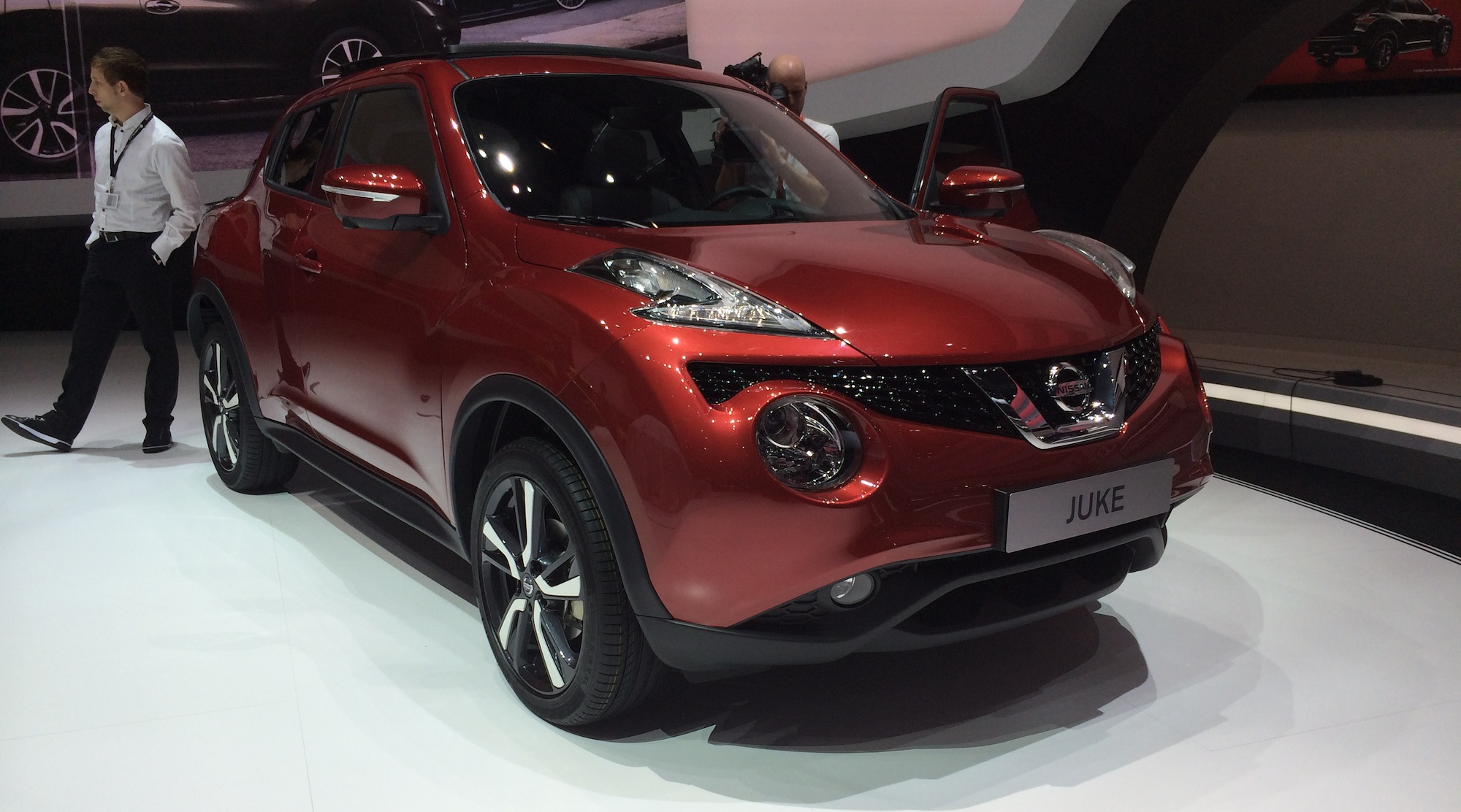 nissan juke   facelifted suv gets 1 2-litre turbo  bigger boot  more tech