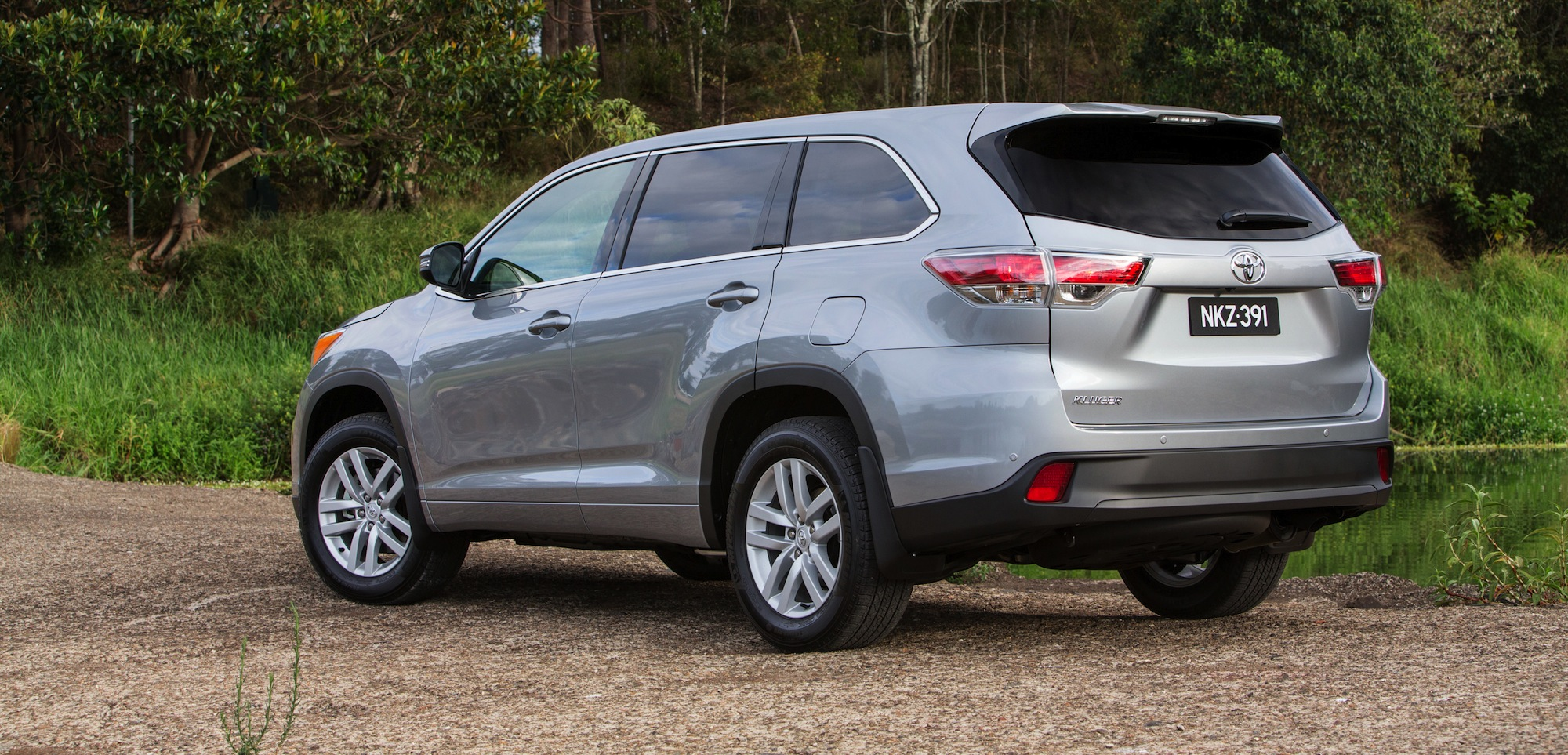 2014 Toyota Kluger Review - Photos