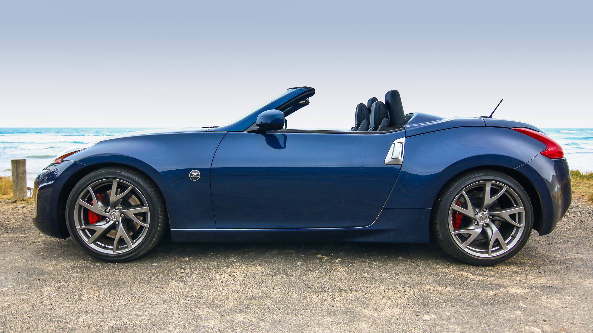 nissan 370z roadster review photos caradvice. Black Bedroom Furniture Sets. Home Design Ideas