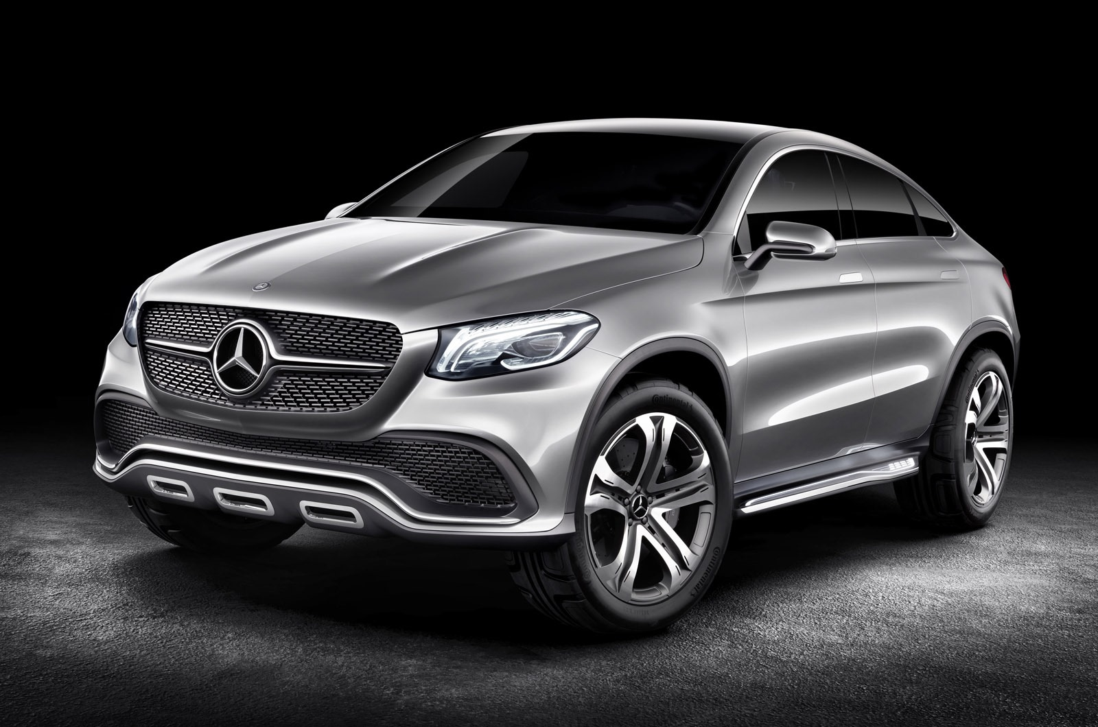 Mercedes benz concept coupe suv targets bmw x6 photos 1 for Mercedes benz concept coupe