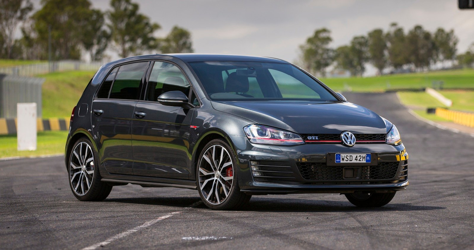 volkswagen golf gti performance launches from 48 490. Black Bedroom Furniture Sets. Home Design Ideas