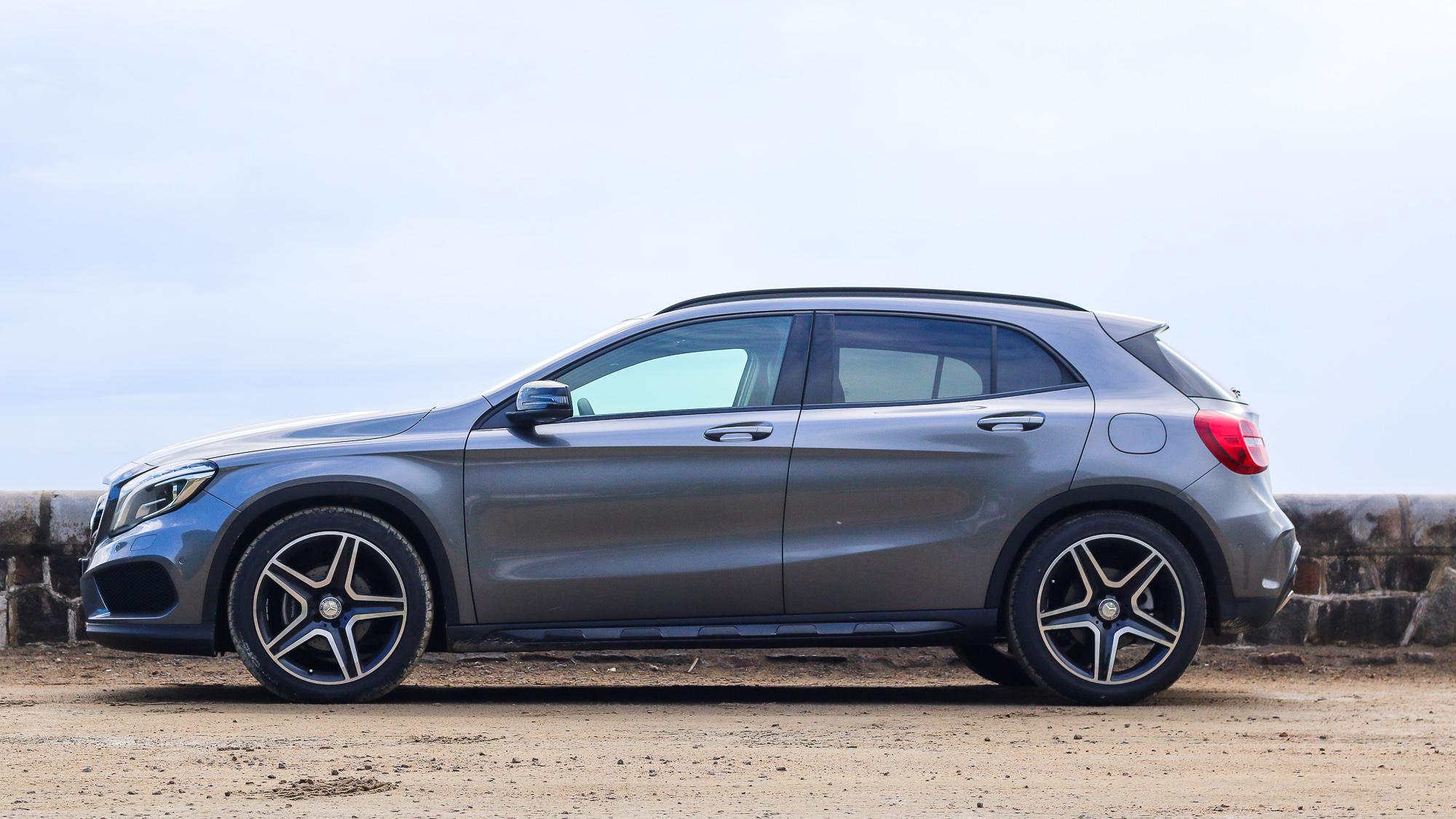 2019 Mercedes-Benz E-Class Review | Top Gear
