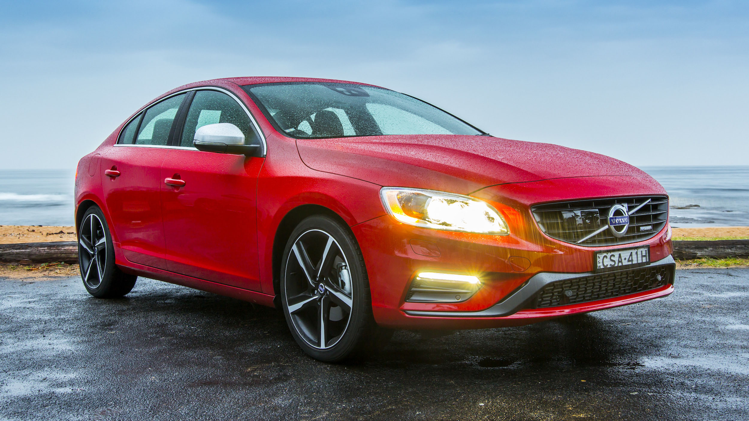 2014 volvo s60 review t5 r design drive e photos. Black Bedroom Furniture Sets. Home Design Ideas