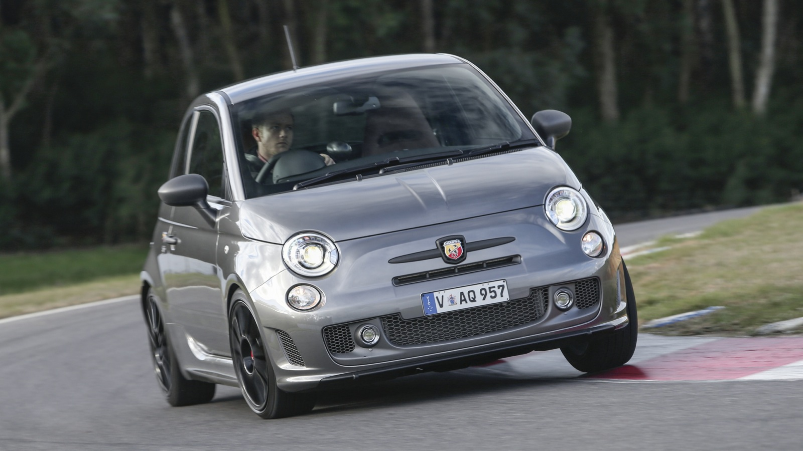 2015 Fiat Abarth 595: Pricing and specifications - photos ...