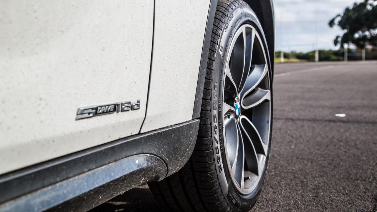 BMW X1 SDrive 2.0i Test Review - YouTube