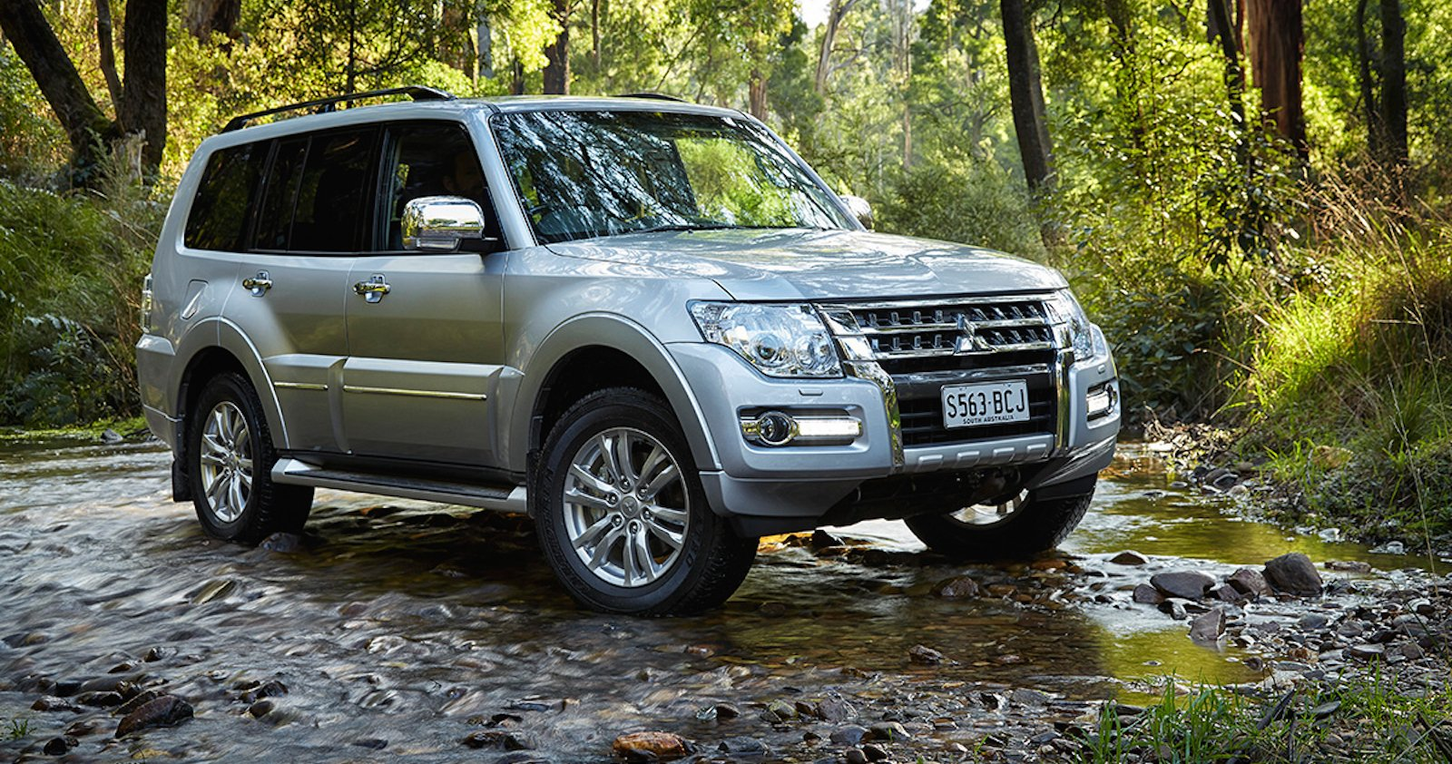 2015 Mitsubishi Pajero Pricing And Specifications Photos 1 Of 3
