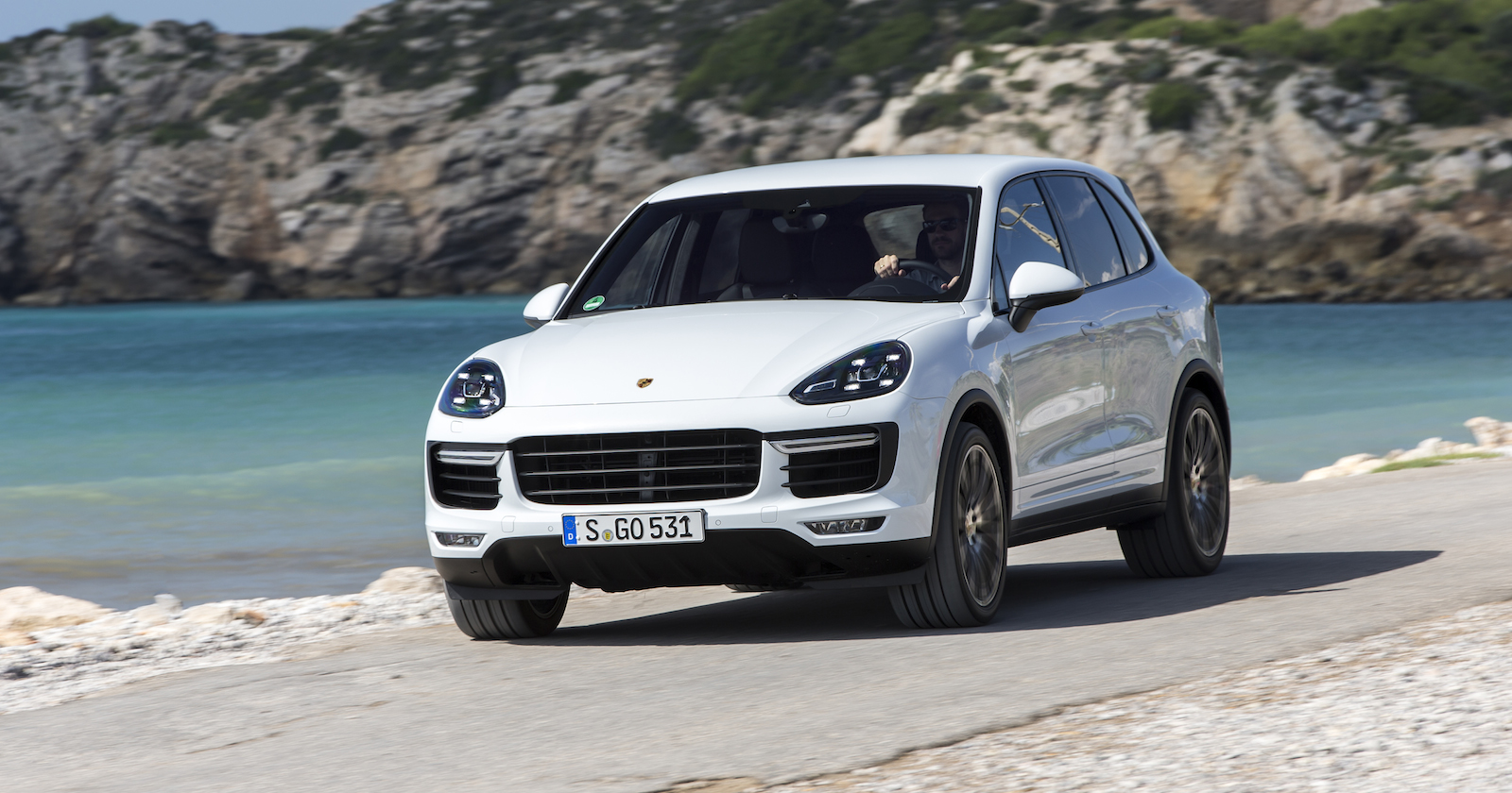 2015 Porsche Cayenne pricing and specifications - photos ...