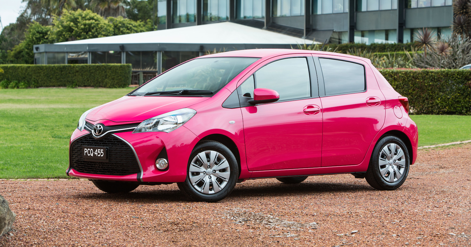 2015 toyota yaris pricing and specifications photos caradvice. Black Bedroom Furniture Sets. Home Design Ideas