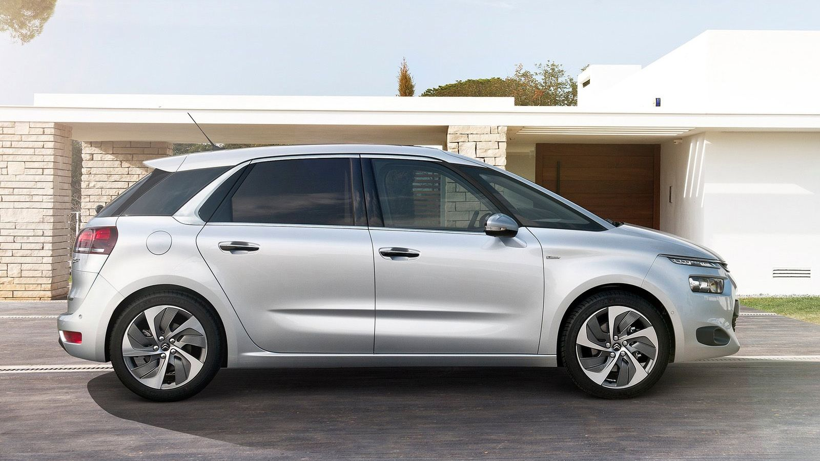 2015 citroen c4 picasso review first drive photos. Black Bedroom Furniture Sets. Home Design Ideas