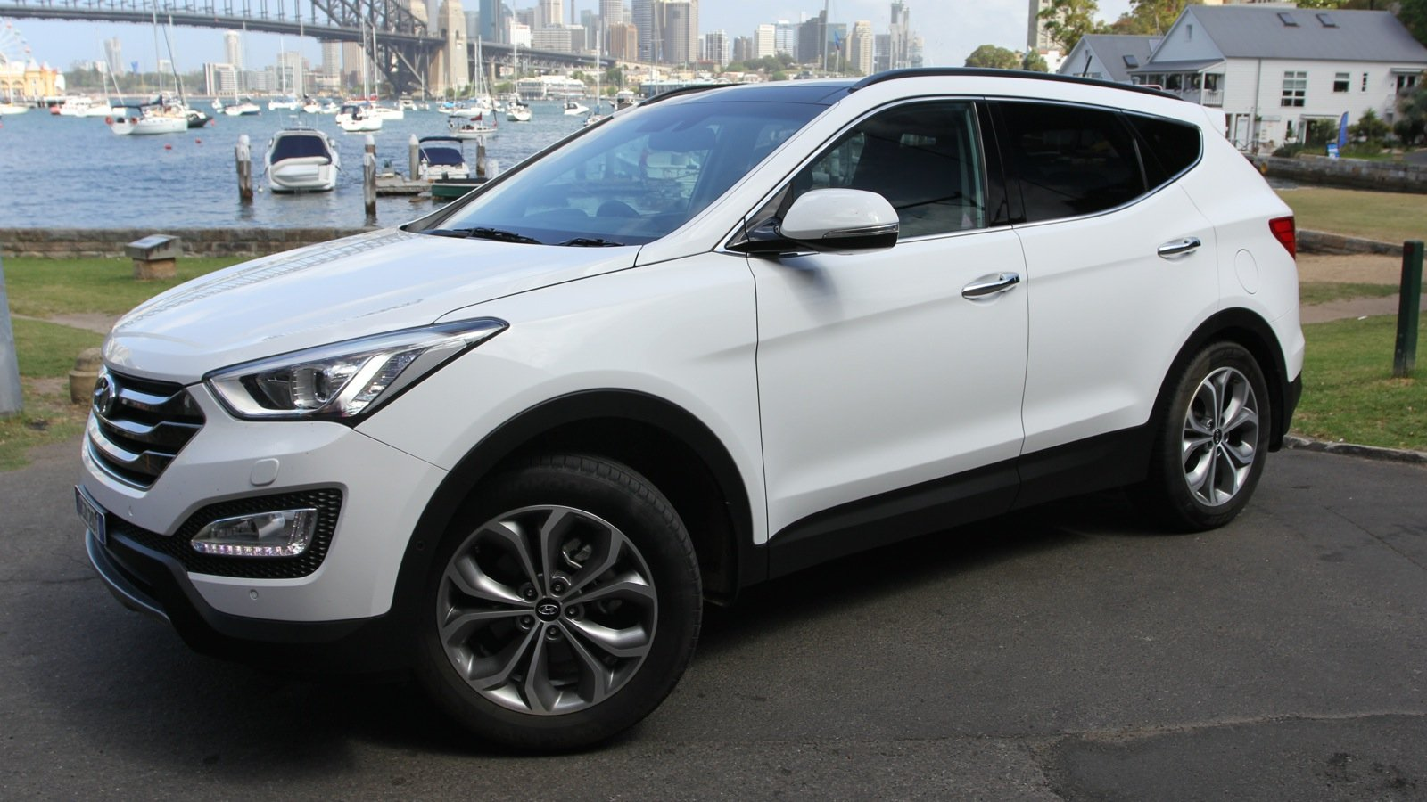 2015 hyundai santa fe review highlander photos caradvice