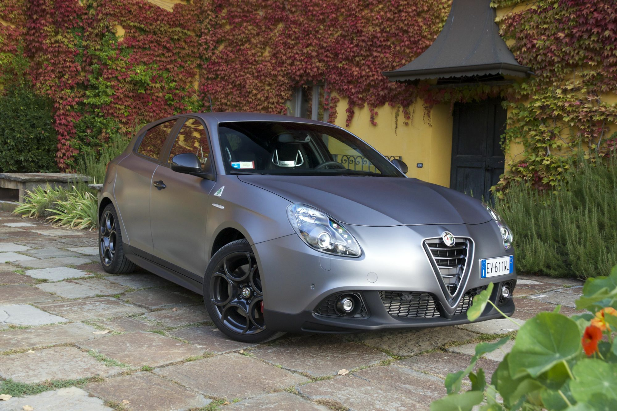 2015 alfa romeo giulietta reviews photos video and price autos post. Black Bedroom Furniture Sets. Home Design Ideas