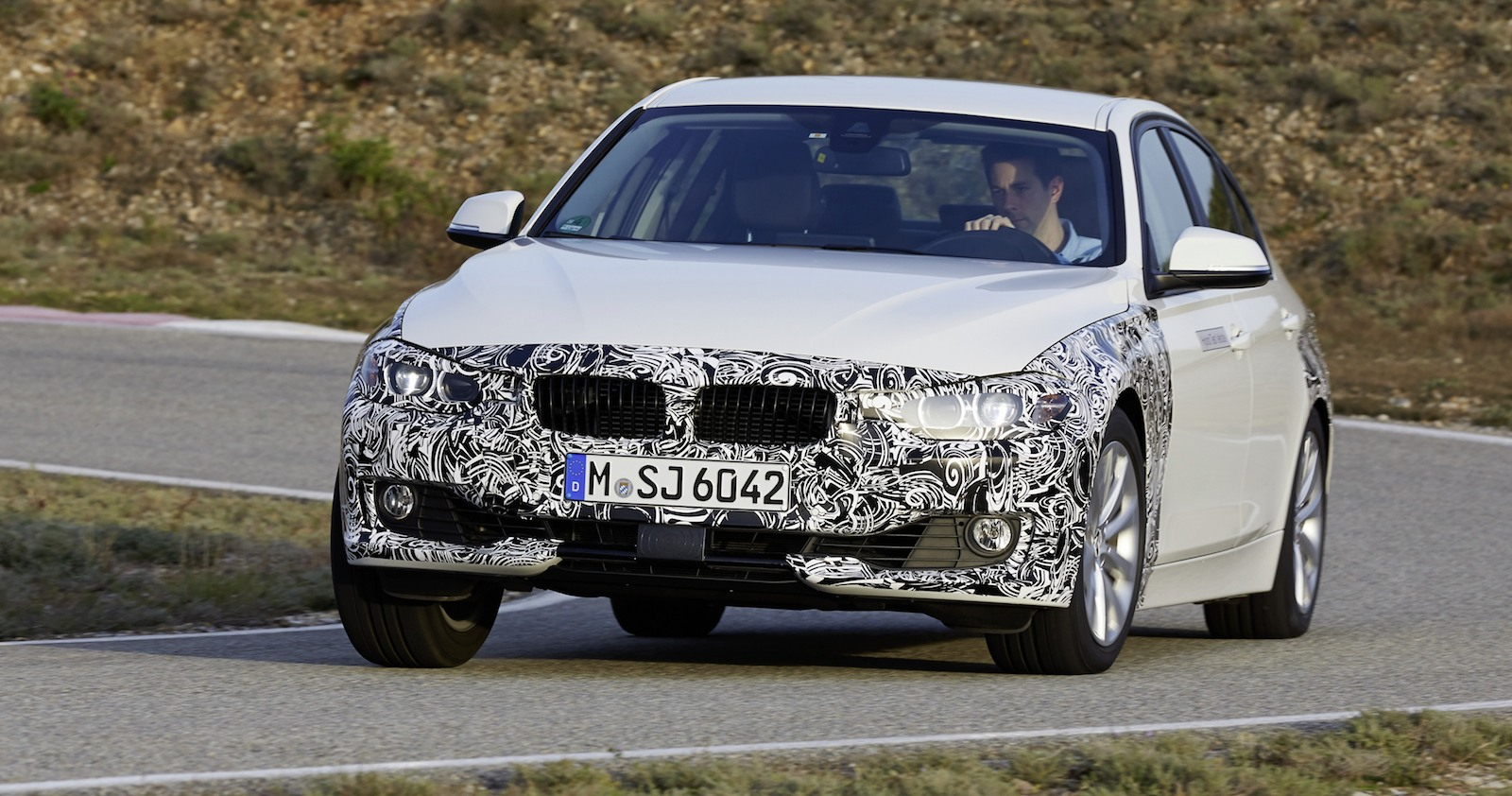 Bmw 3 Series Plug In Hybrid Prototype Previews 2 0l 100km