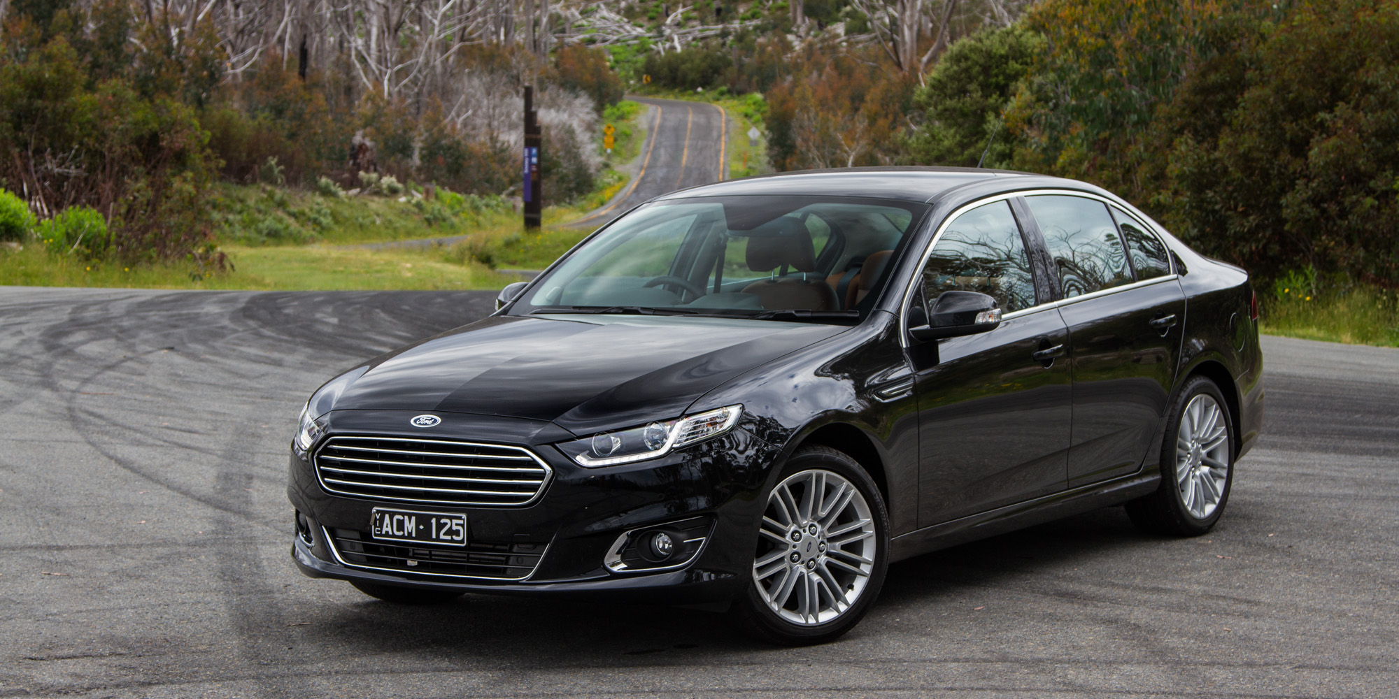 Mazda 3 Vs 6 >> Ford Falcon G6E v Holden Calais : Comparison review - Photos