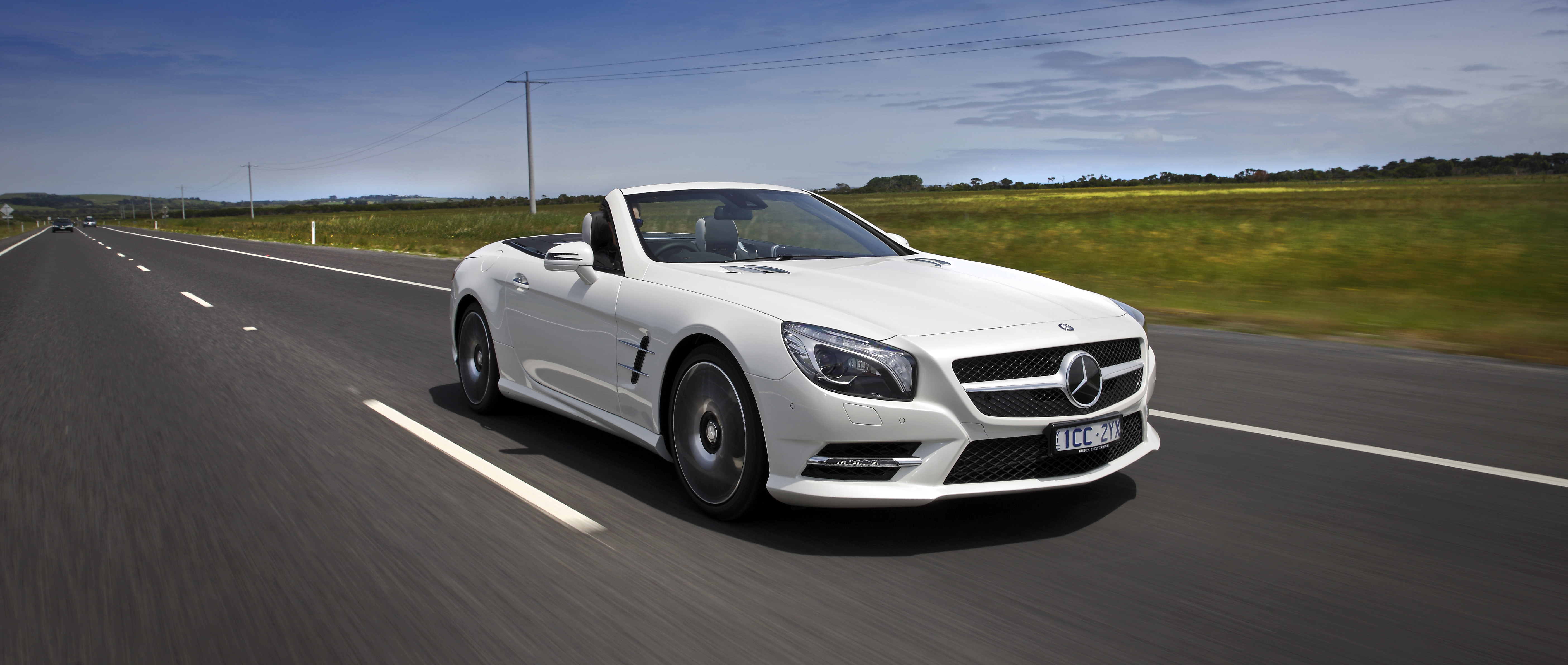 2015 mercedes benz sl400 review caradvice for Mercedes benz mbrace reviews