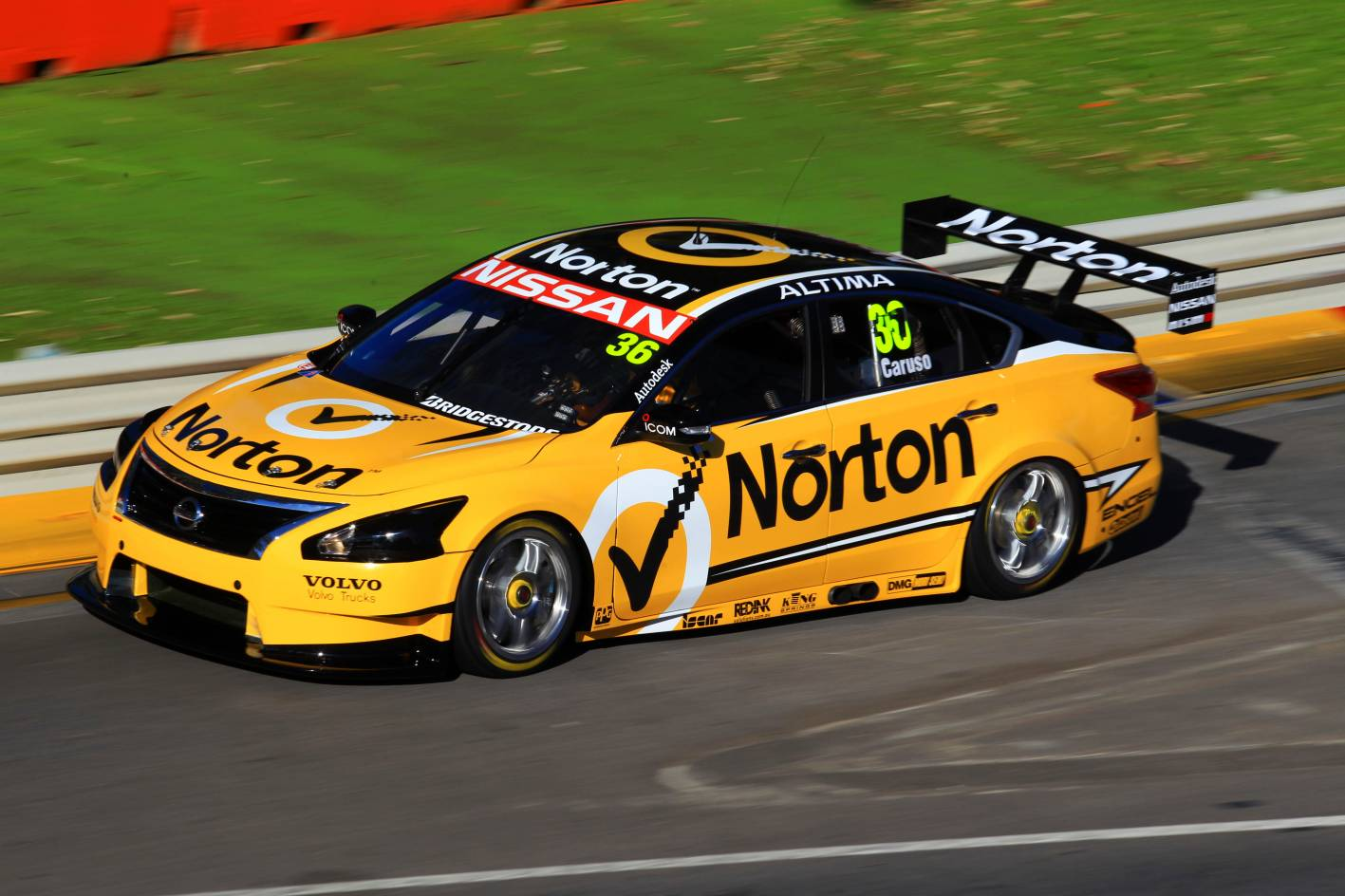 Nissan wants downsized turbos for V8 Supercars ...