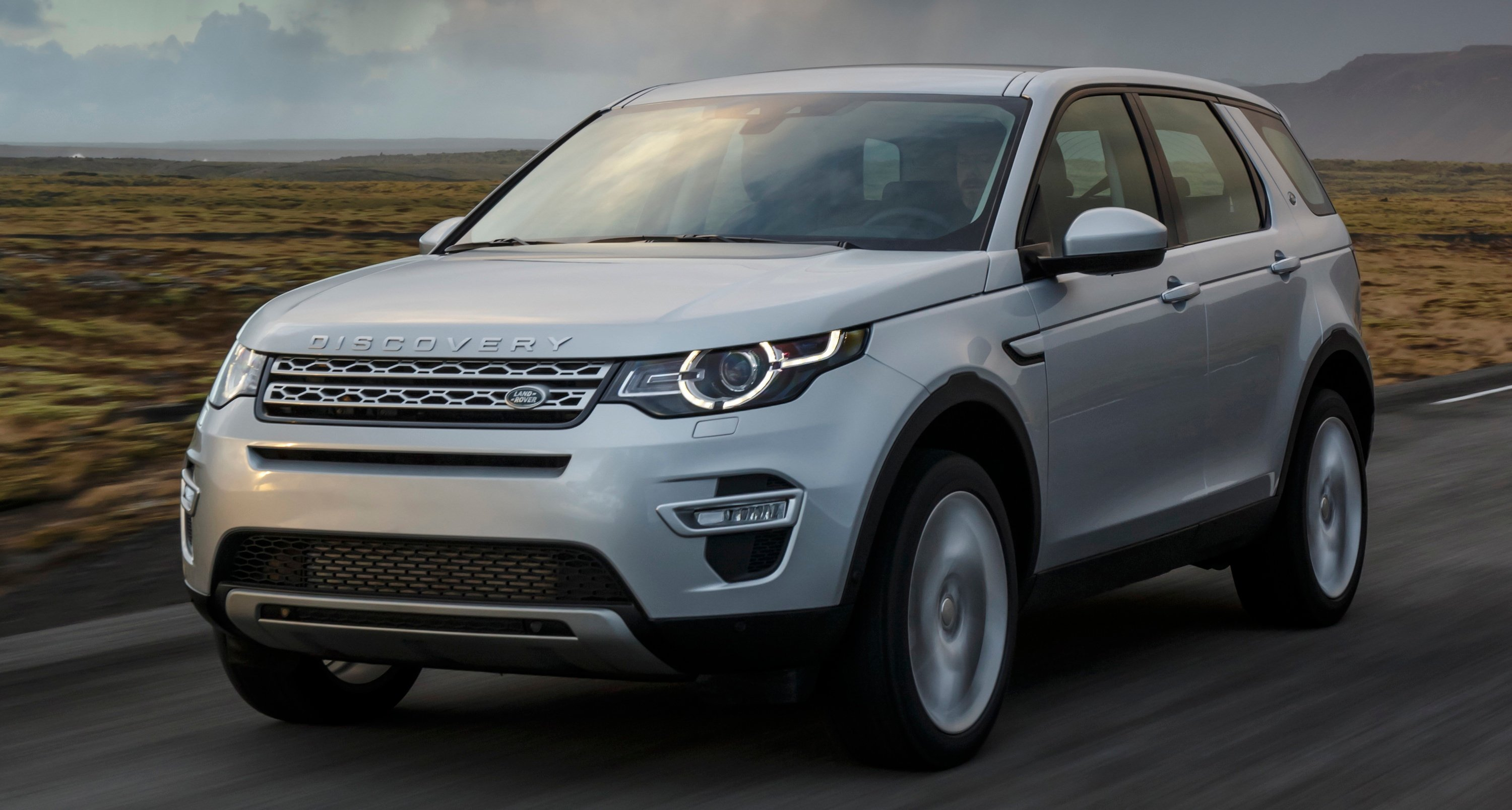 Land Rover Discovery Sport 2015-2019 design & styling