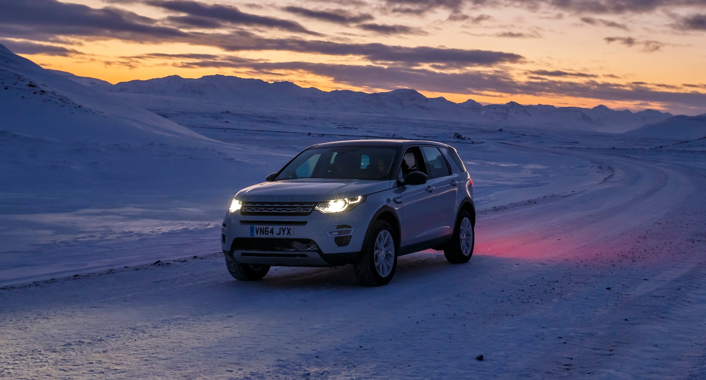 Range Rover Suv >> Land Rover Discovery Sport Review - photos | CarAdvice