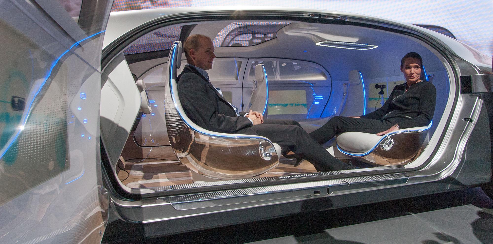 Mercedes Benz F015 Luxury In Motion Autonomous Concept