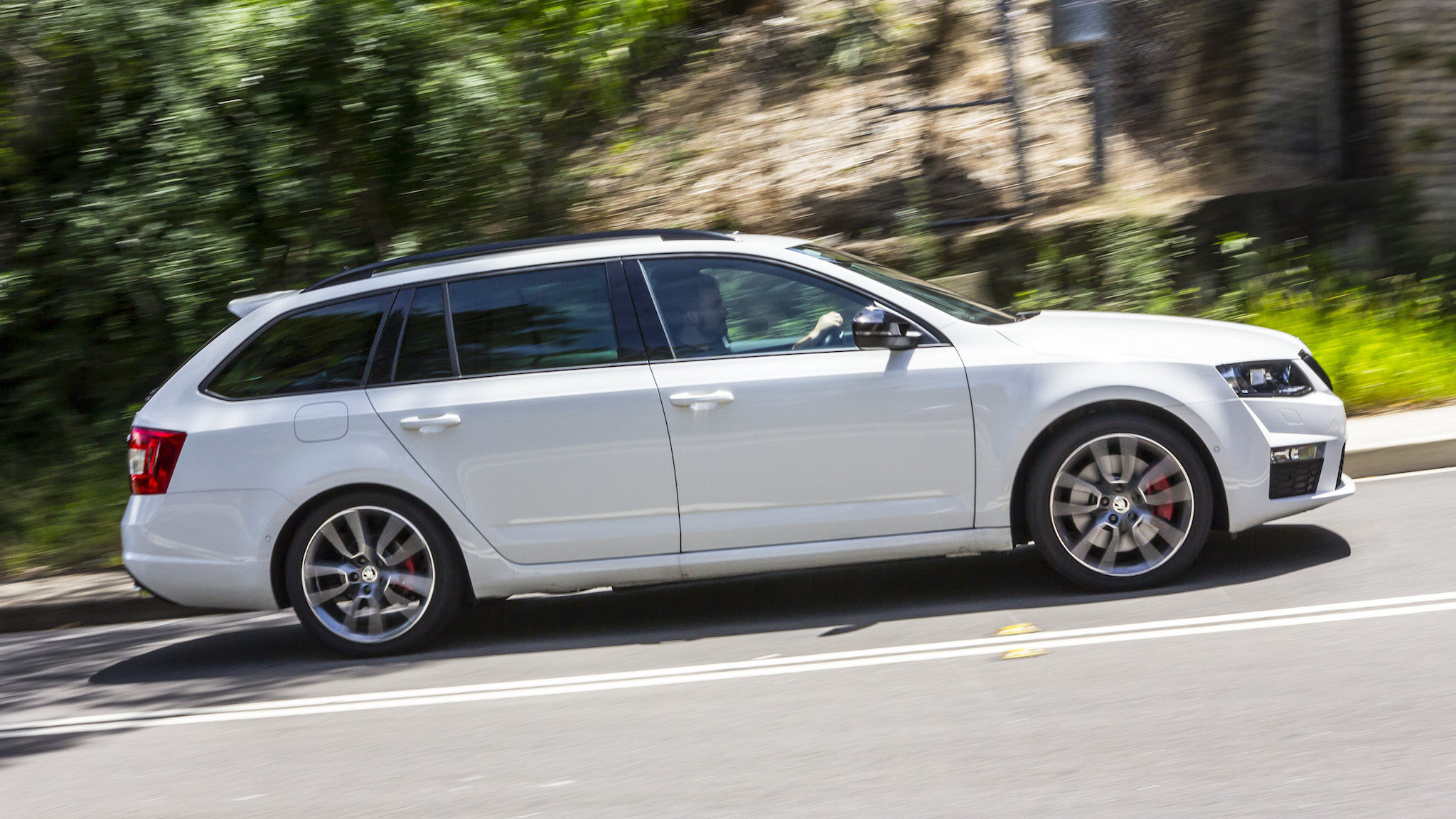 2015 Skoda Octavia Rs Review Rs 135tdi Wagon Photos