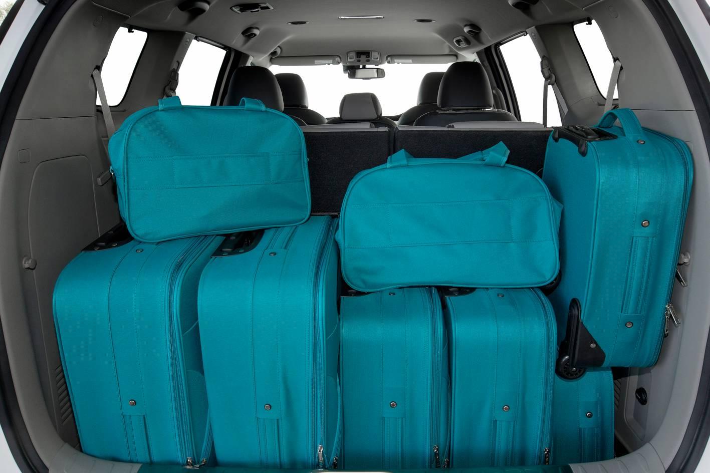 2015 Kia Carnival Review - photos   CarAdvice