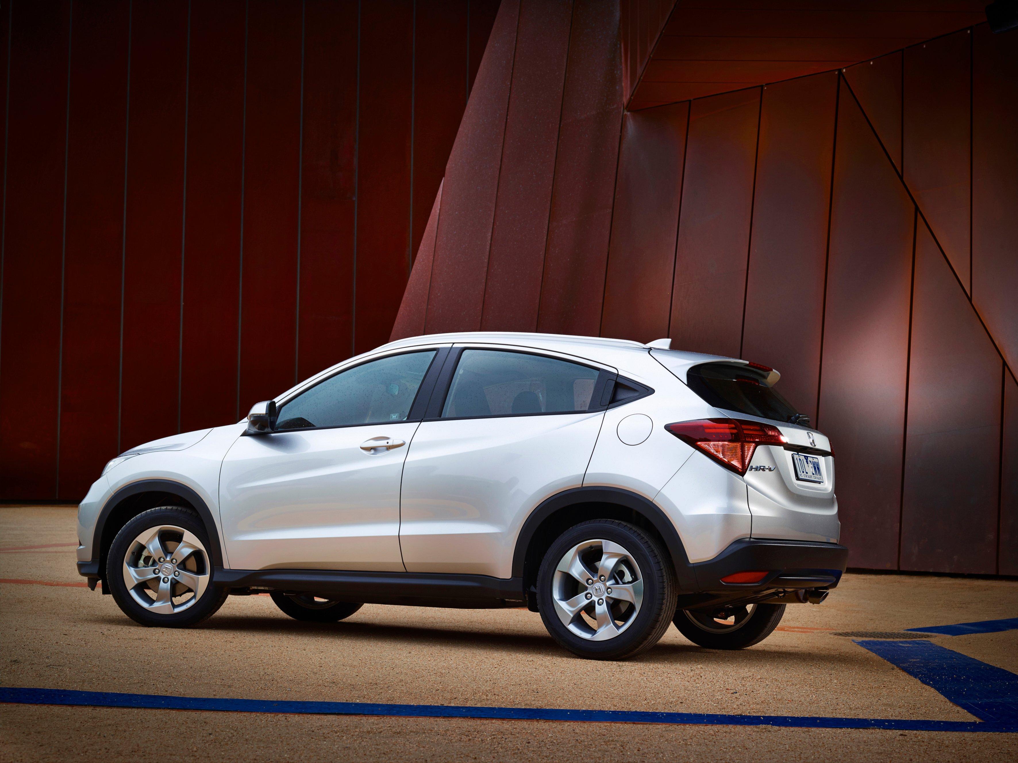2015 honda hr v review photos caradvice for Honda hr v review