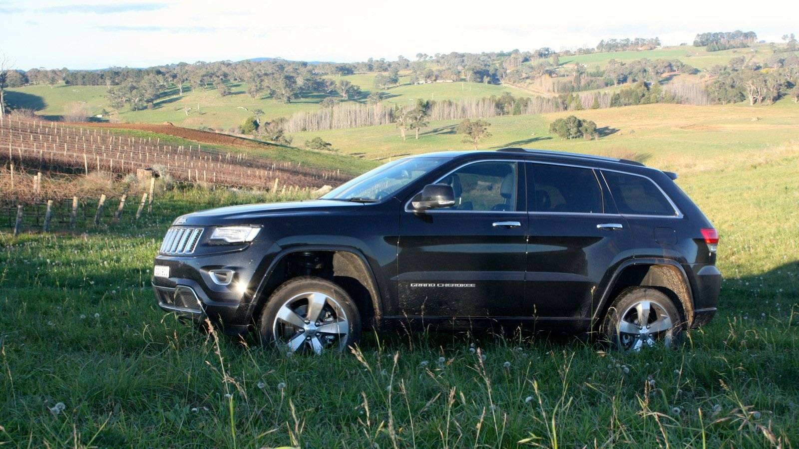 2014 jeep grand cherokee overland review lt3 photos caradvice. Black Bedroom Furniture Sets. Home Design Ideas