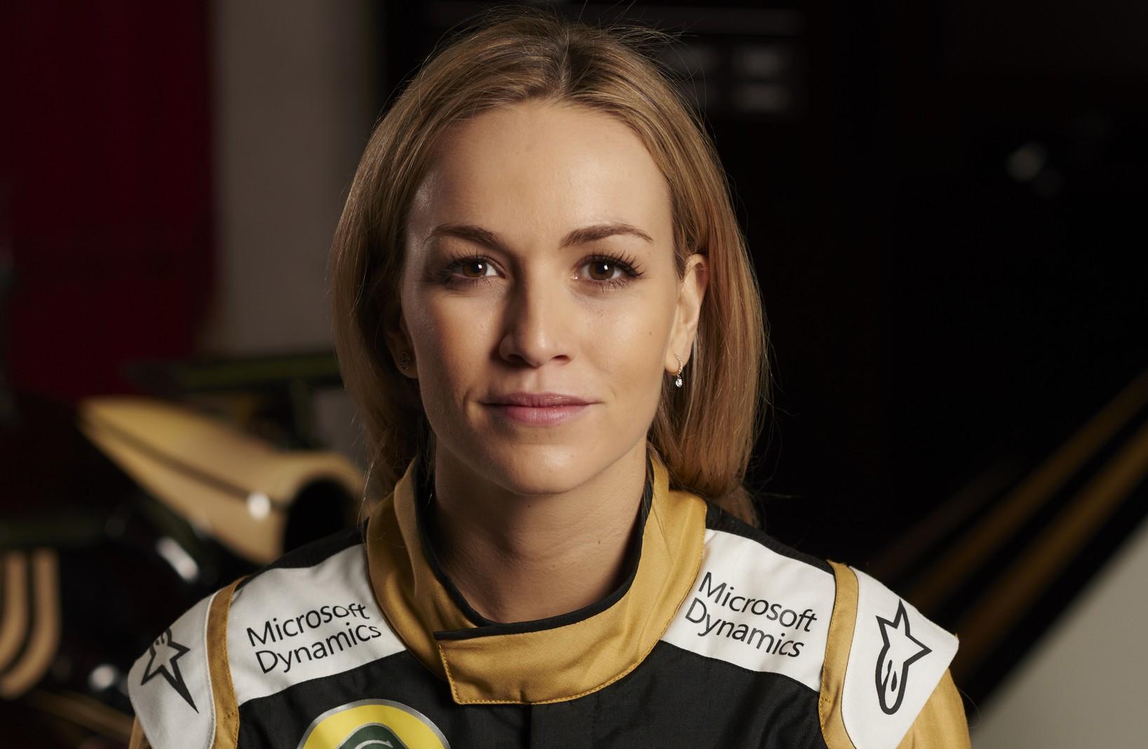Nissan Sports Car >> Lotus Formula One team appoints female driver - Photos