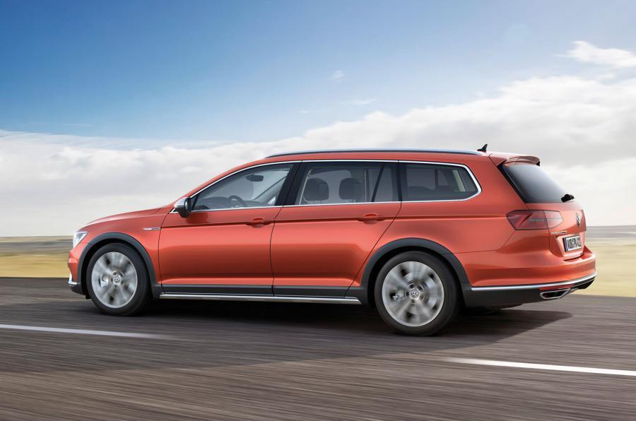 2015 Volkswagen Passat Alltrack Unveiled Photos 1 Of 11