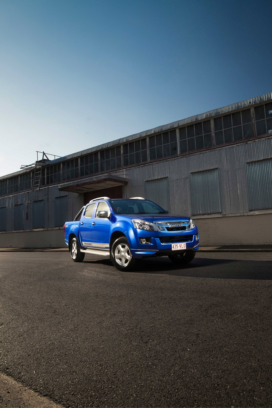 isuzu  max  runner limited edition launches  australia limited   units