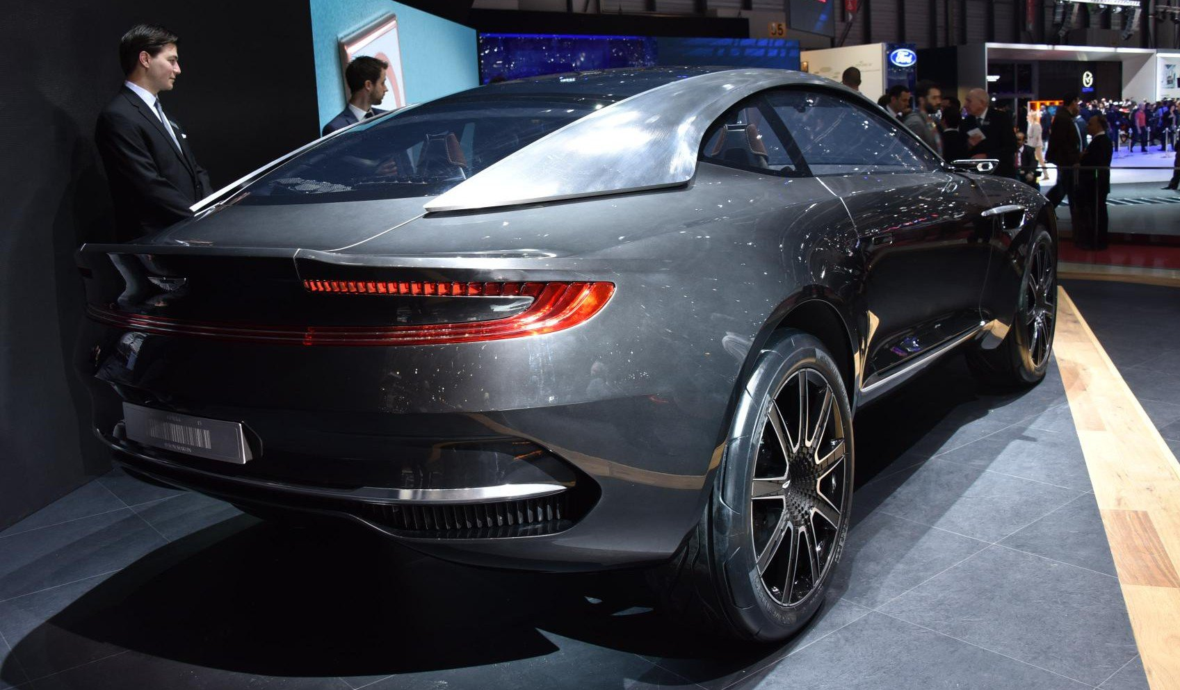 aston martin dbx crossover may be built in the usa report photos caradvice. Black Bedroom Furniture Sets. Home Design Ideas