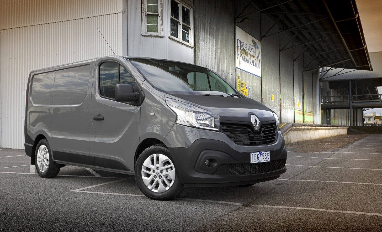 2015 Renault Trafic Review | CarAdvice