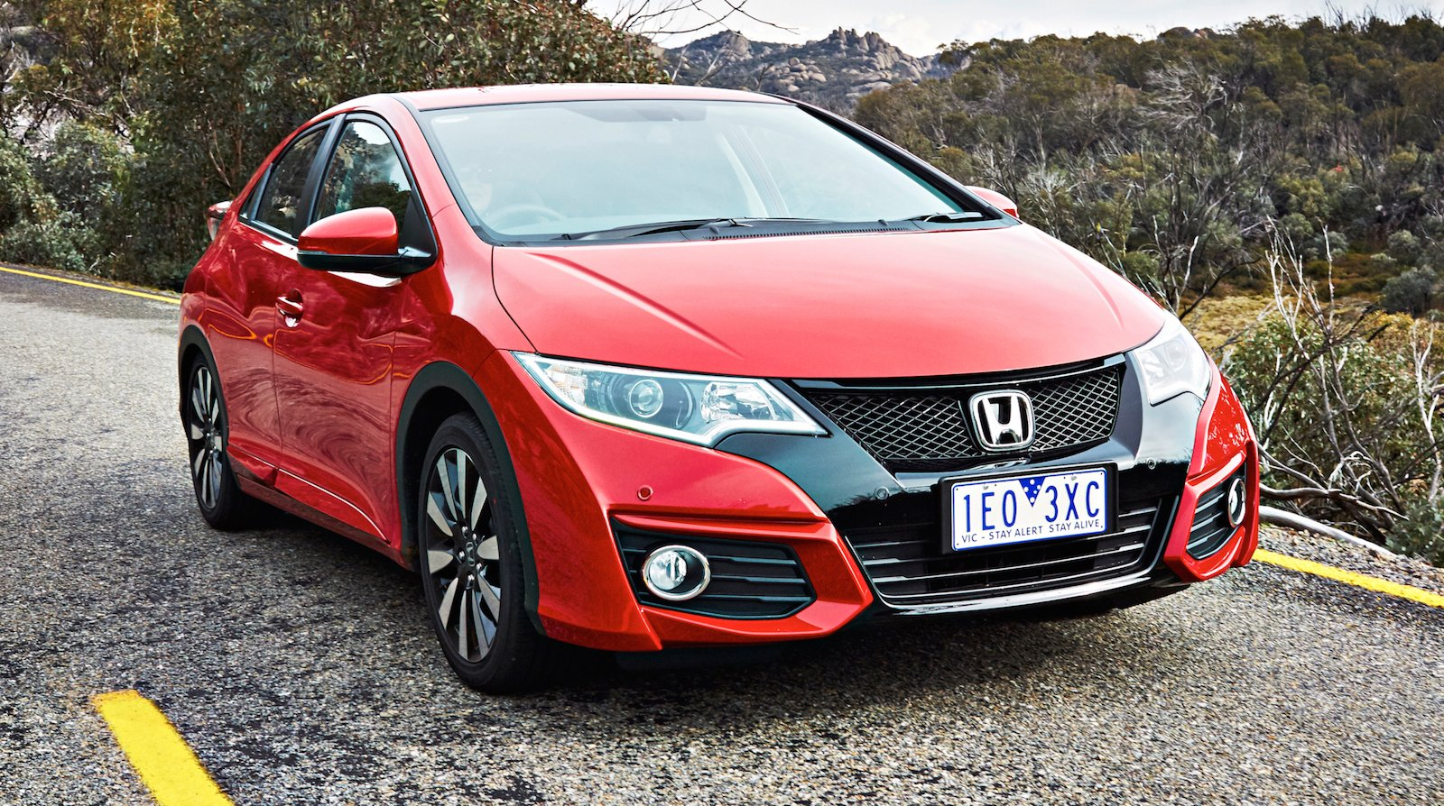 2015 honda civic hatch pricing and specifications photos caradvice. Black Bedroom Furniture Sets. Home Design Ideas