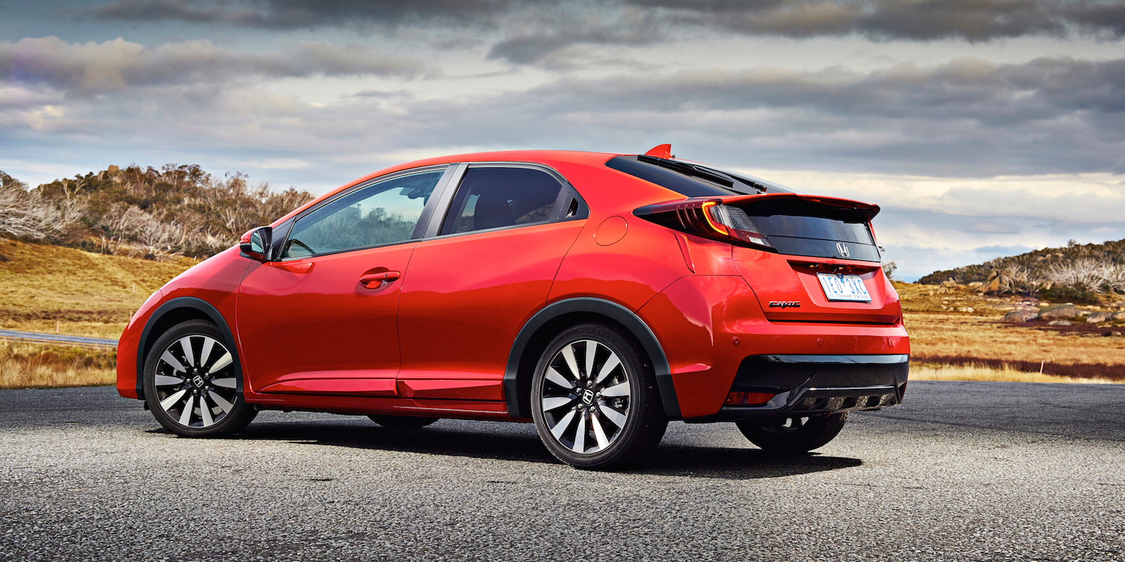 2015 Honda Civic hatch pricing and specifications - photos ...