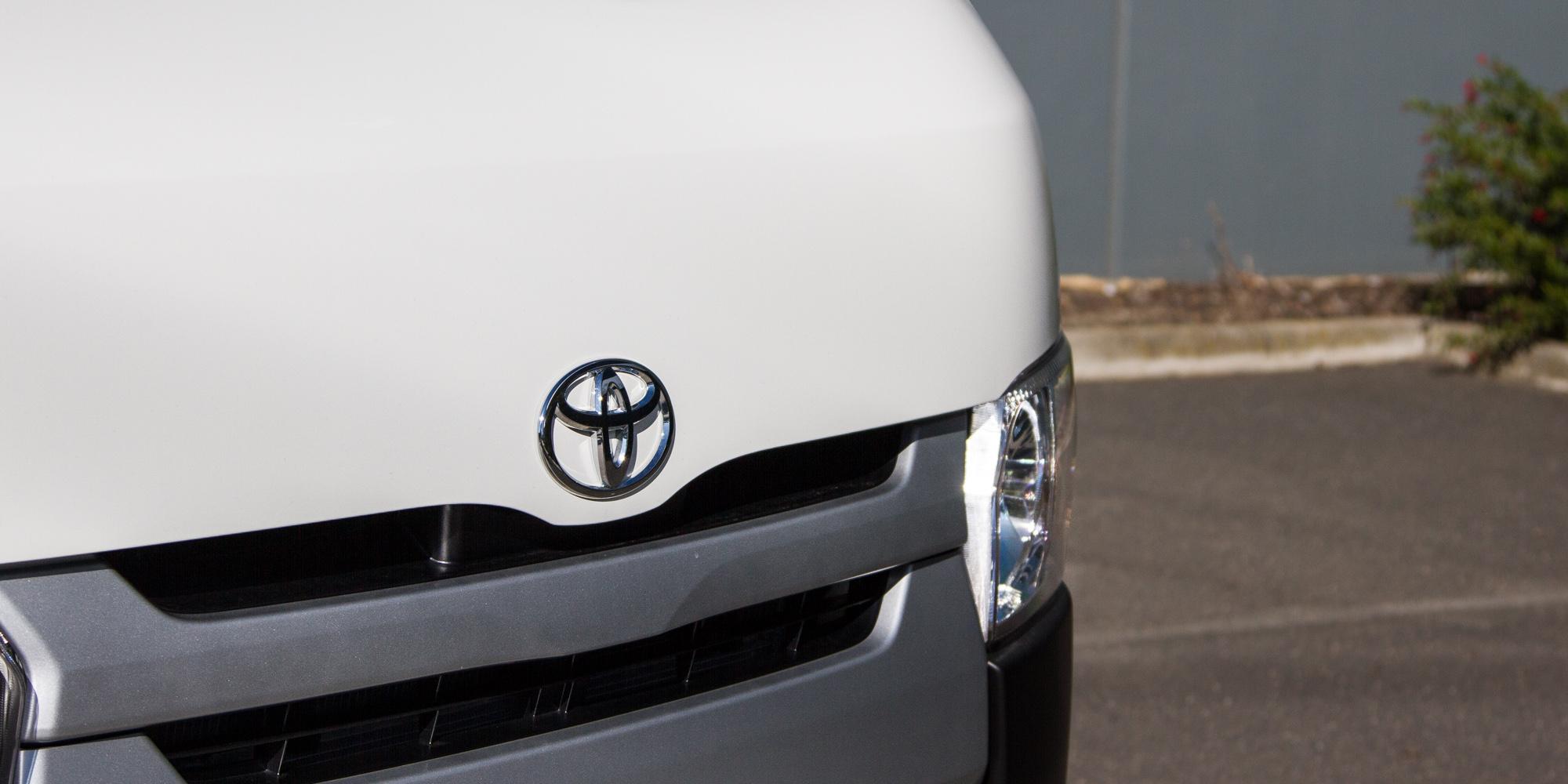 2015 Toyota Hiace Crew Van Review Photos Caradvice