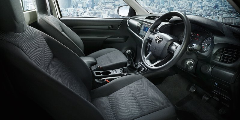 Mazda Cx 5 2015 Interior >> 2016 Toyota HiLux interior, additional variants revealed in official images - photos | CarAdvice