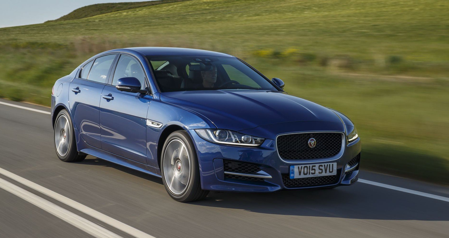 Jaguar XE Australian pricing and specifications - photos ...