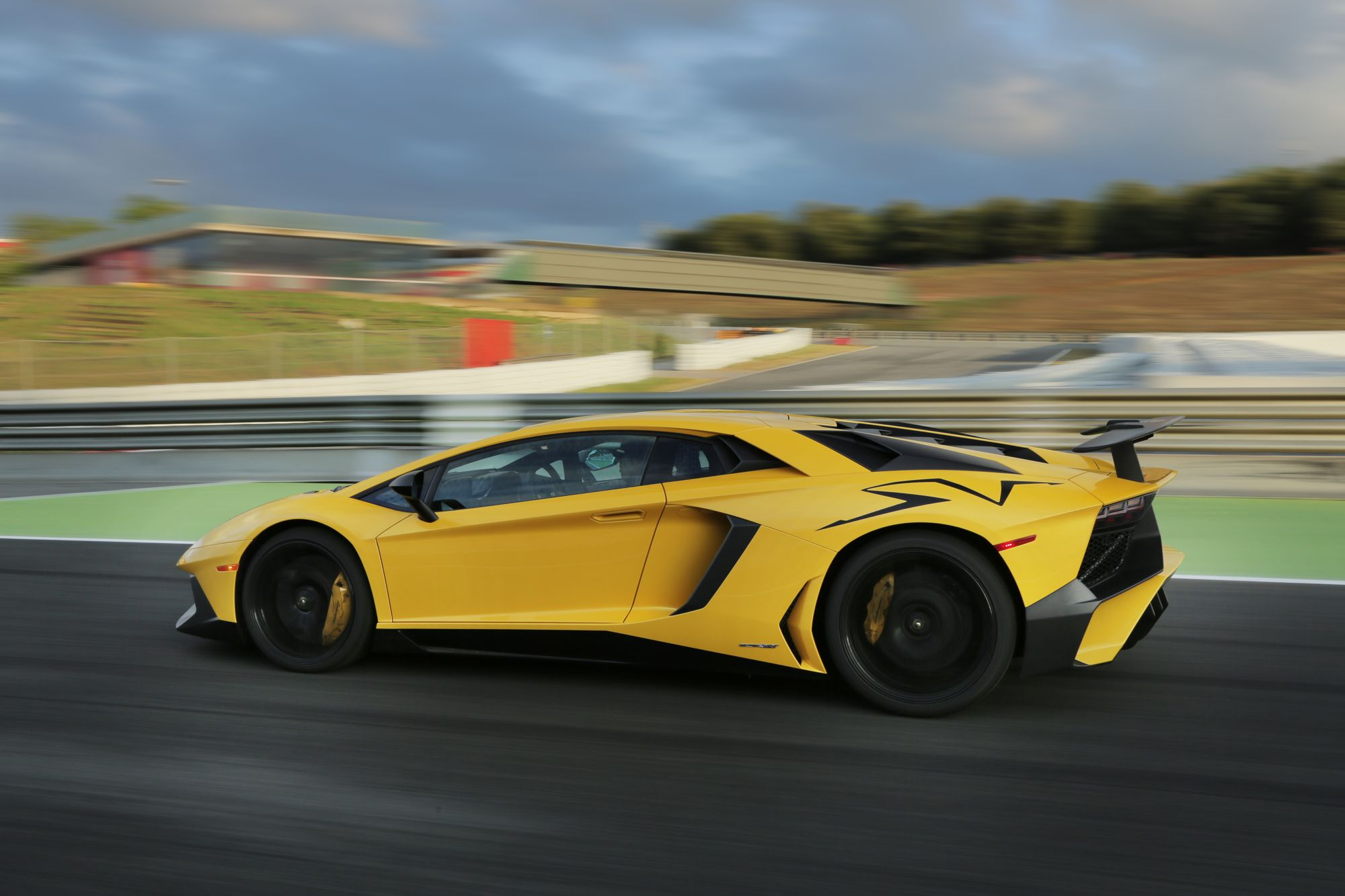 Lamborghini Sports Car >> 2016 Lamborghini Aventador SV Review - photos | CarAdvice