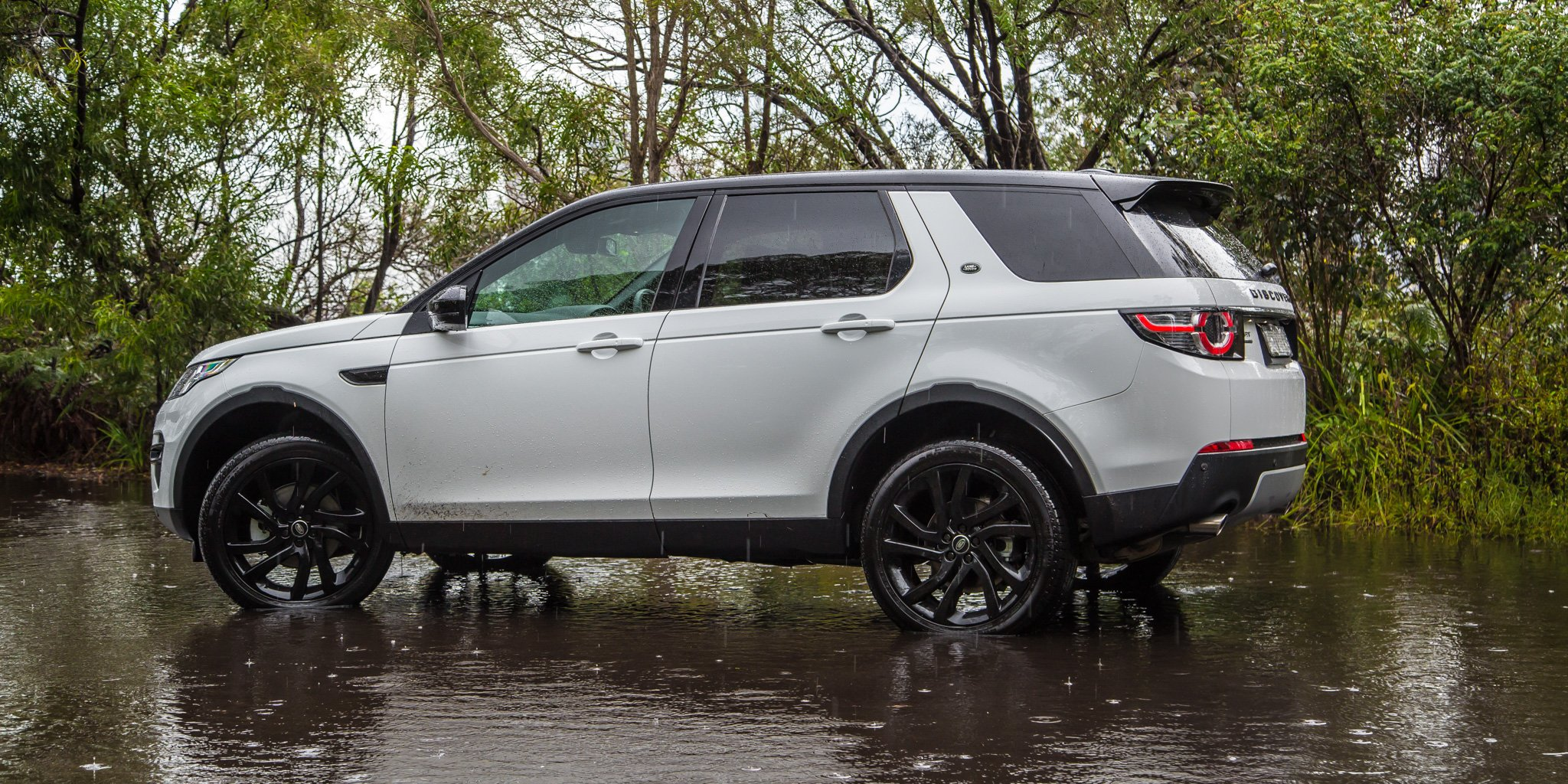 2015 Land Rover Discovery Sport Review Se And Hse Off