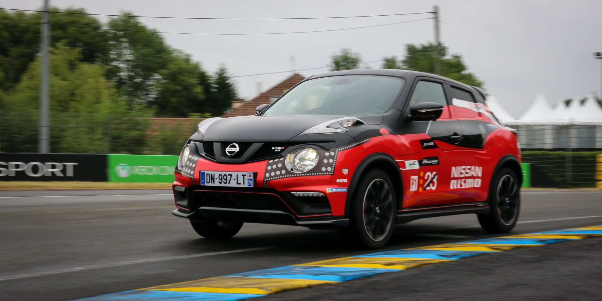 2015 nissan juke nismo rs review photos caradvice. Black Bedroom Furniture Sets. Home Design Ideas