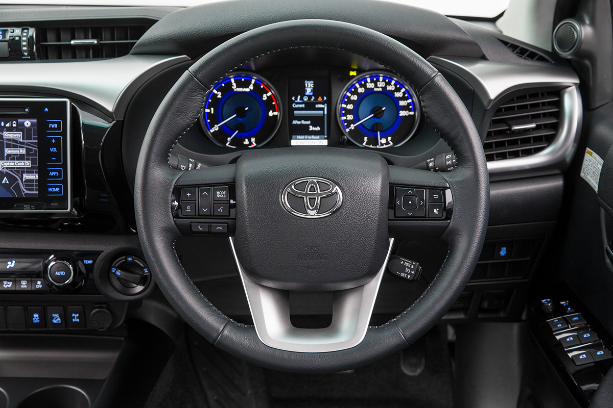2016 Toyota HiLux interior, features revealed for ...