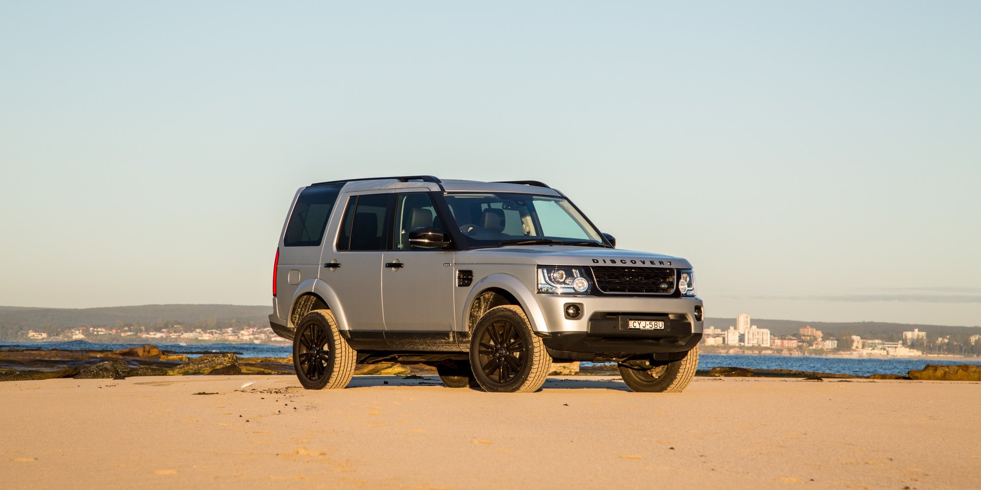2015 land rover discovery review caradvice. Black Bedroom Furniture Sets. Home Design Ideas